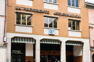 http://assicurazionimegali.it/wp-content/uploads/2016/04/tra-86-300x200.jpg